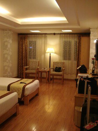 Silverland Central Hotel and Spa: junior suite - 1 double bed and 1 single bed