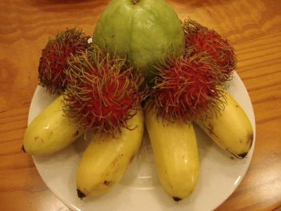 Silverland Central Hotel and Spa: welcome fruits
