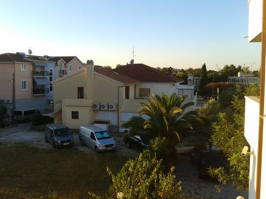 Apartmani Trogir : This is what you see while sitting on the balcony