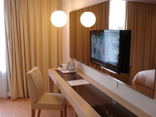 Oceania Hotel: Hotel room 1