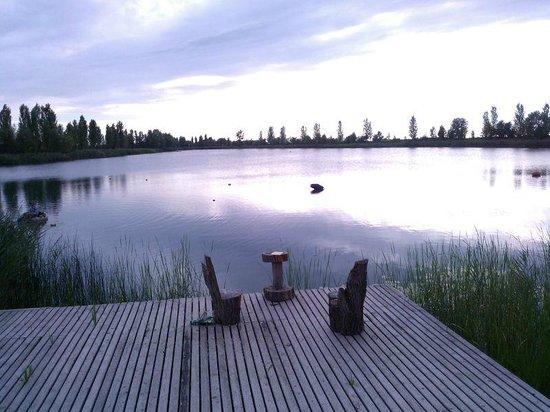 Agriturismo Ai due laghi del Verginese : PANORAMA DAL RISTORANTE SUL LAGO TRAMONTO