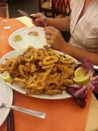 Spaghetteria Da Sandrino: ottimi calamari fritti