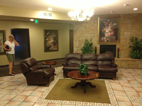Days Inn Colorado Springs Airport: Lobby area