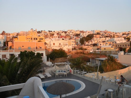 Rena's Rooms & Suites: Early morning over Santorini