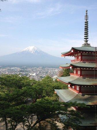 Kawaguchi Sengen Shrine: Mt. Fuji with Chureito Pagoda