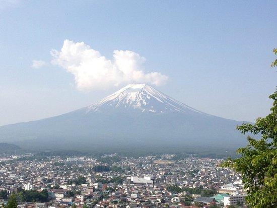 Kawaguchi Sengen Shrine: Mt. Fuji with some clouds above