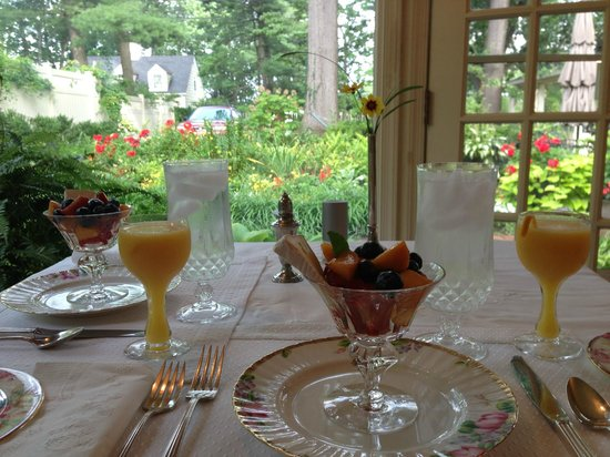 The Speckled Trout Bed and Breakfast: garden view