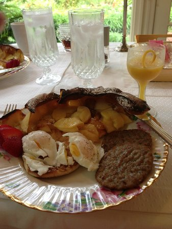 The Speckled Trout Bed and Breakfast: delicious breakfast!