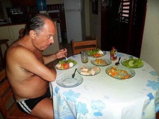 Chale Hibiscus: sala de estar e jantar