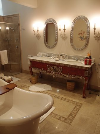 Belmond Palacio Nazarenas: Stunning Bathroom