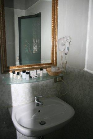 Relais Centro Storico Residenza D'Epoca : Bathroom