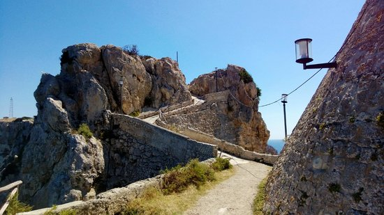 San Domino: Burg