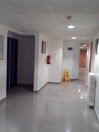 Hotel Les Illes: Corridoio del terzo piano