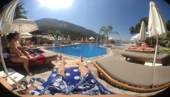 Morina Deluxe Hotel: pool area