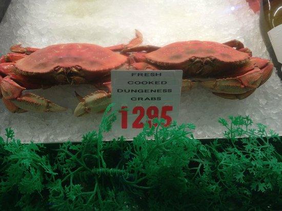 Point Loma Seafoods : Seafood displays