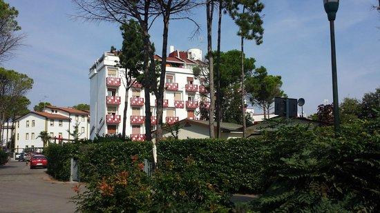 Hotel Jasminum: Gute Lage