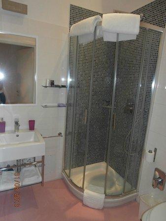 Amor Bed & Breakfast: Chambre AMBRETTA : Salle de bains