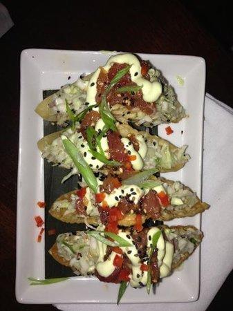 Tommy Bahama's Restaurant & Bar: ahi tuna tacos-yummm