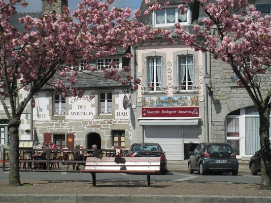 La Mare aux Fees: Delightful town square just down the road