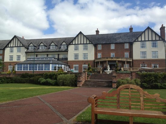 Carden Park Hotel : Hotel view