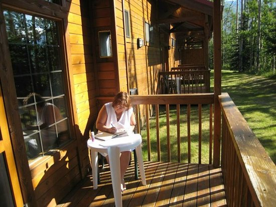 Kenai Princess Wilderness Lodge: Early morning, coffee and journal on our peaceful little patio