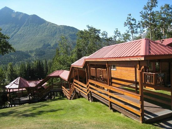 Kenai Princess Wilderness Lodge: View of the accommodations and grounds
