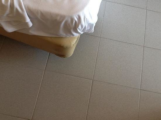 Hotel Casablanca Playa : кроватка