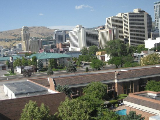 Sheraton Salt Lake City Hotel: view from balcony