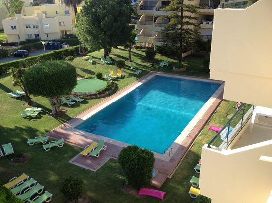 Parque Mourabel Apartments: Pool from balcony