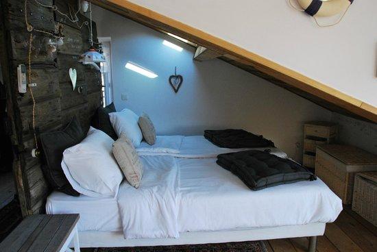 La Villa Guidi: les lits avec velux au dessus pour voir les etoiles
