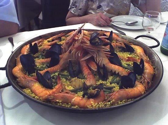 Trattoria Cappuccini: una invitante paella