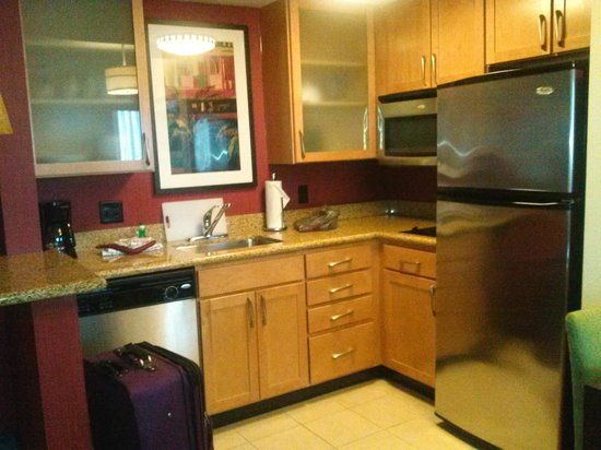 Residence Inn Miami Airport: Kitchen