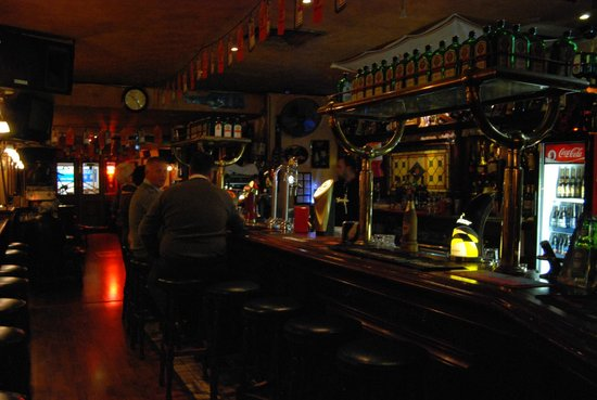 The George Pub: Daily Entertainment