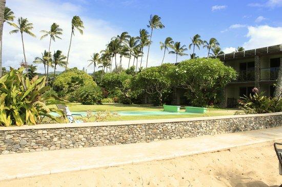 The Mauian Hotel on Napili Beach: dalla spiaggia alla camera dell'hotel