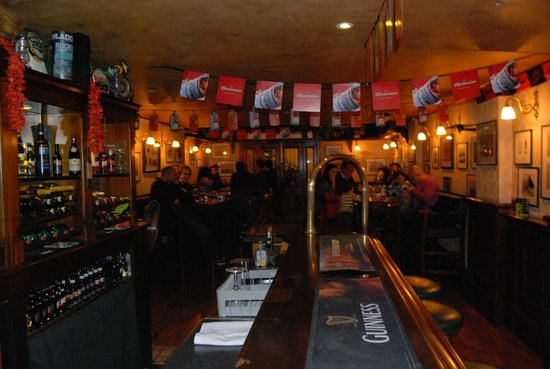 The George Pub : Back high tables, great parties
