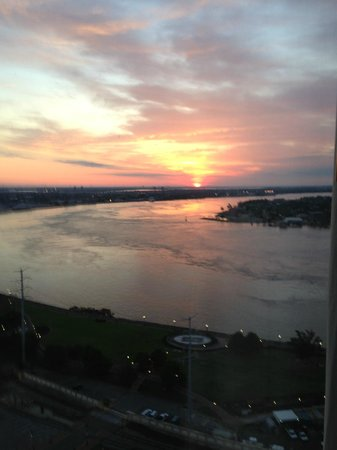 The Westin New Orleans Canal Place: Sunrise over the Mississippi River