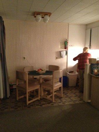 Sound View Inn: 2 1/2 room