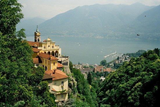 Sacromonte e Santuario Madonna del Sasso : From the distance