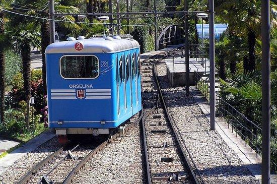 Sacromonte e Santuario Madonna del Sasso : our transportation into town!