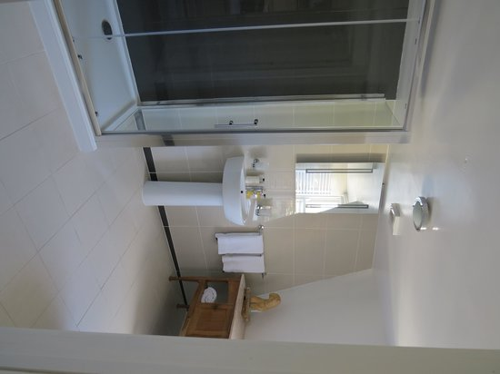 Hill House: Room 6 ensuite