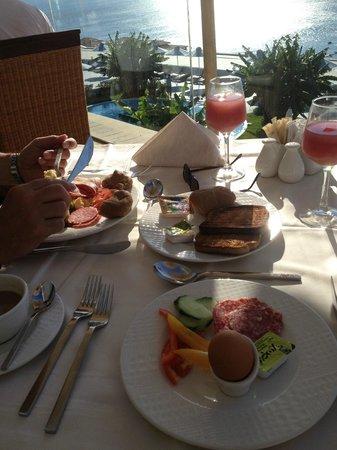 Atrium Prestige Thalasso Spa Resort and Villas: Frühstück
