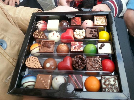 Karmello Chocolatier : Over sweetness and thick coating