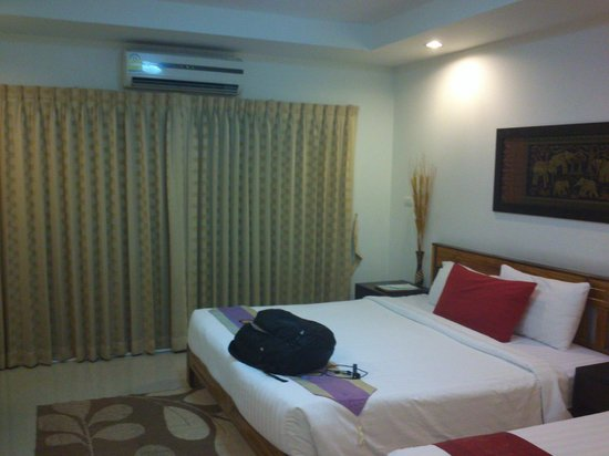 Sinsuvarn Airport Suite: Room