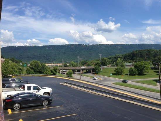 Days Inn Chattanooga Lookout Mountain West: Balcony view from room
