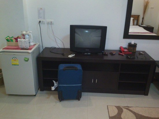 Sinsuvarn Airport Suite: TV