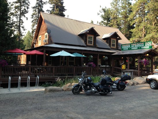 Green Springs Inn and Mountain Cabins Restaurant: Road between Keno and Ashland, OR.