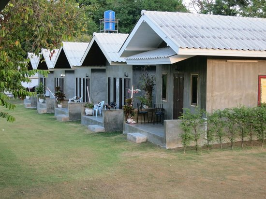Moragot Resort: The five bungalows
