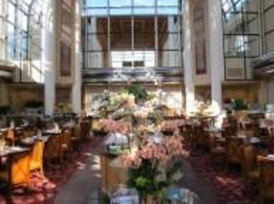 Hilton Los Angeles/Universal City : Restaurant