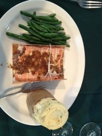 Haven 55 : Cedar Plank Salmon with twice baked potato and green beans