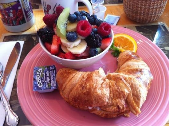 Cove Cafe: croissant au homard